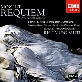 Mozart: Requiem, Ave verum corpus / Muti, Pace