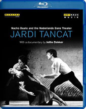 Jardi Tancat / A 1987 profile of the Spanish choreographer Nacho Duato in interviews, rehearsals and performances with the Nederlands Dance Theater [Blu-ray]