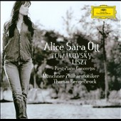 Tchaikovsky, Liszt: First Piano Concertos / Alice Sara Ott