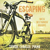 Escaping / Davide Cabassi